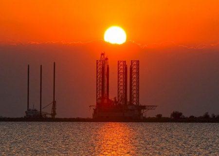 تغییر برنامه حفاری نفت در دریای خزر تصمیم یک نفر نبود