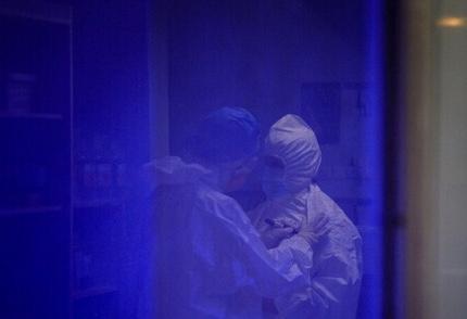 ارسال دلایل لزوم قرنطینه خوزستان به ستاد ملی / کمبود پرستار در تمامی بیمارستانهای اهواز