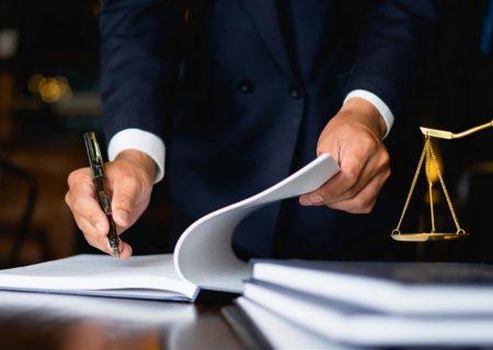 رئیس کانون وکلای دادگستری مرکز: کانون وکلا با بحران مواجه است