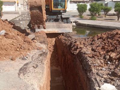 عملیات اتصال شبکه فاضلاب دو خیابان به خط اصلی در منطقه سپیدار اهواز